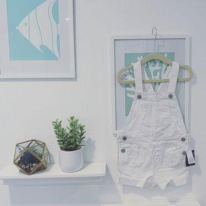👧🏻NWT Baby GAP white denim overalls 3T